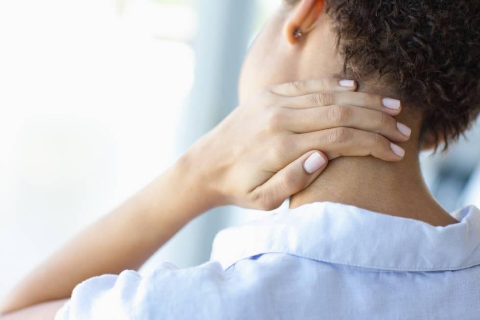 Las personas que duermen mejor sufren menos dolor de cuello